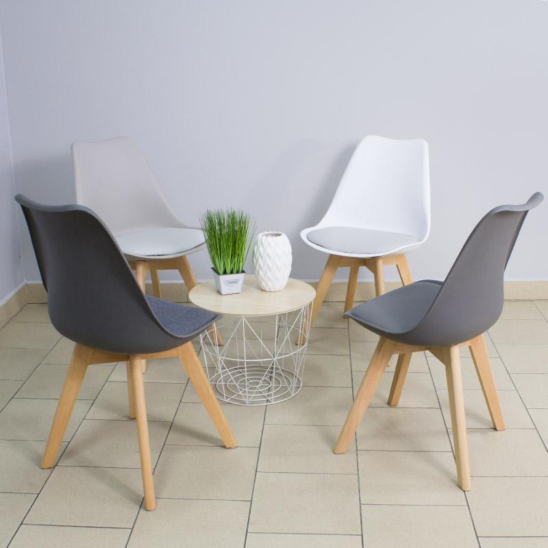 krzesło z skórzaną poduszką na drewnianych bukowych nogach